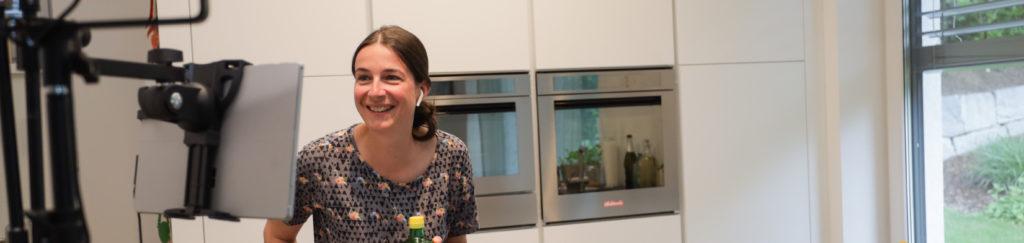 Andrea Kasper-Füchsl bei einem online live Kochkurs