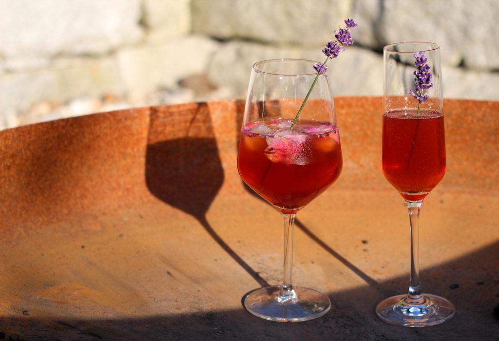 Himbeer-Lavendel Shrub mit Prosecco