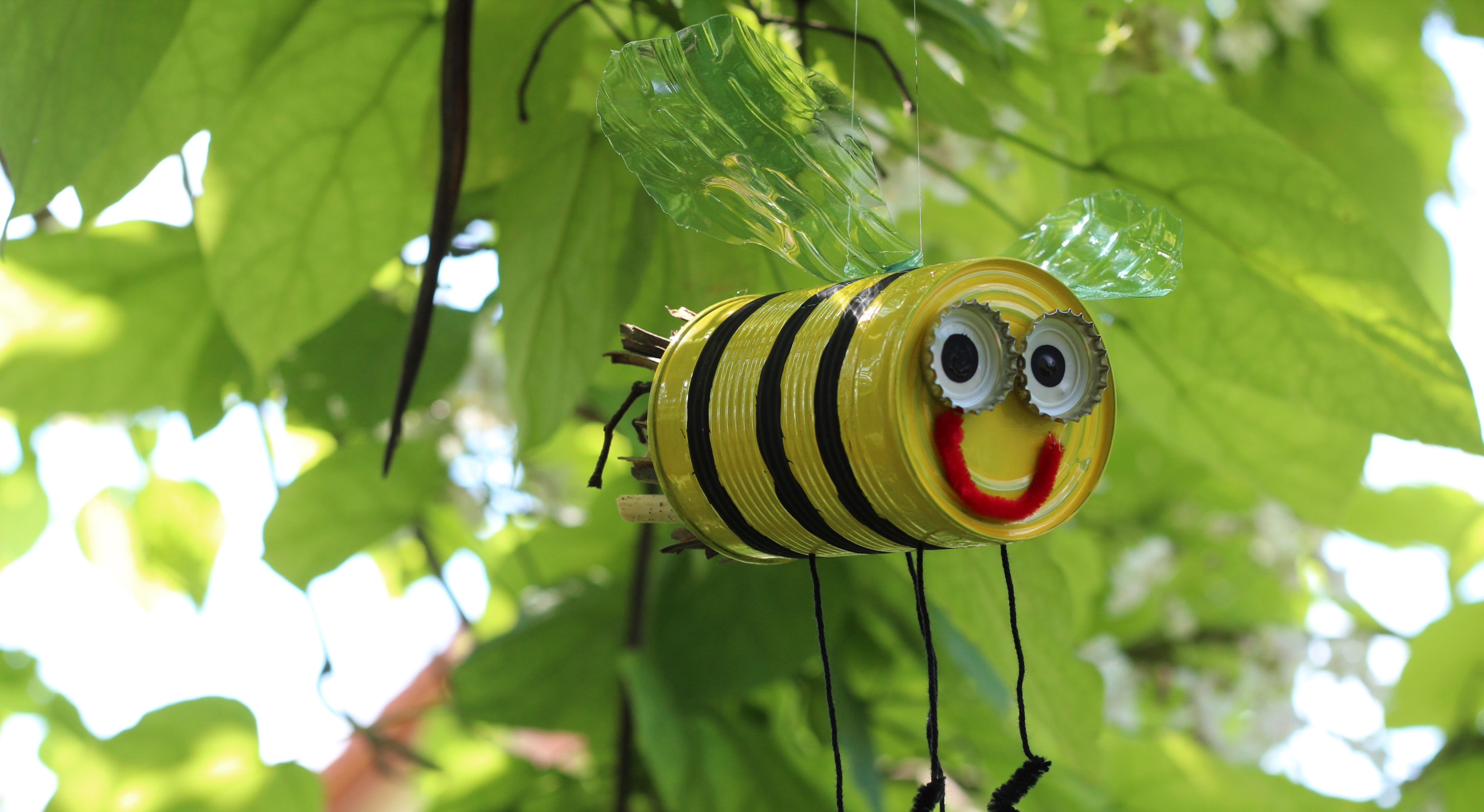 Biene aus Konservendose