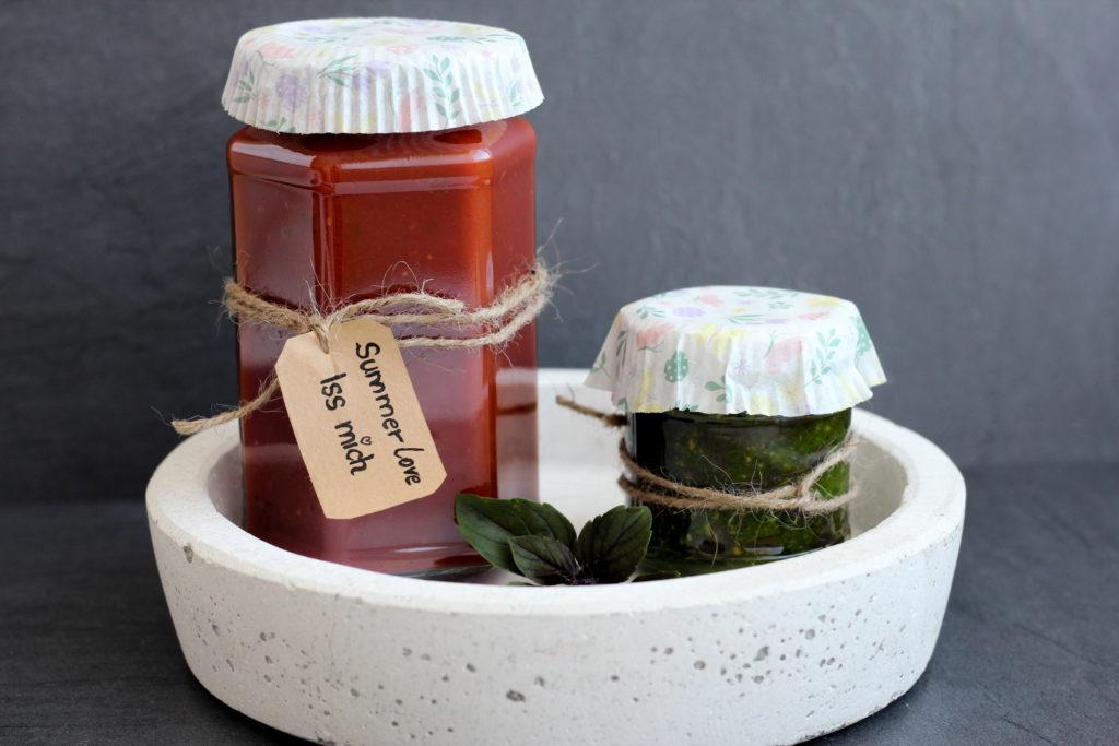 DIY Geschenk Sugo und Pesto